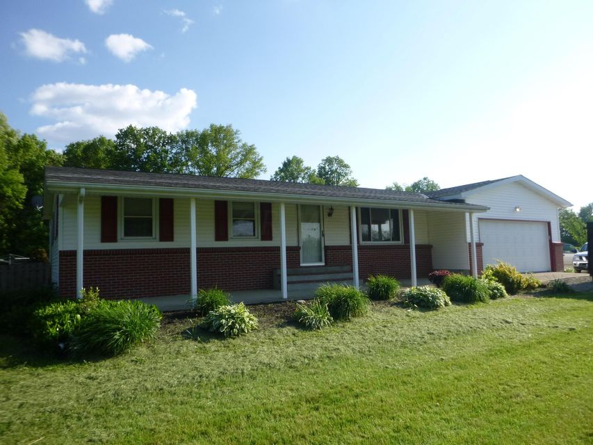 Photo of home for sale at 5635 REYNOLDSBURG BALTIMORE Road NW, Pickerington OH