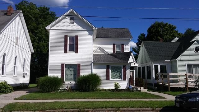 Photo of home for sale at 110 Maple Street, Hebron OH