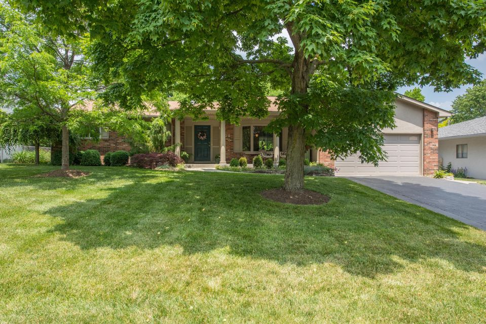 Photo of home for sale at 770 Stinson Drive, Columbus OH