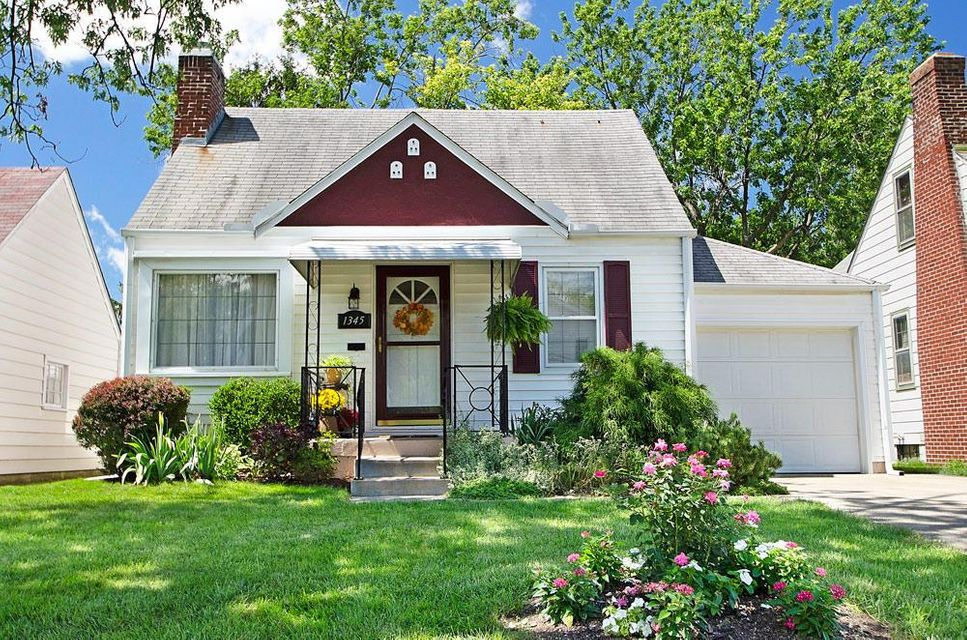 Photo of home for sale at 1345 Wilson Avenue, Columbus OH