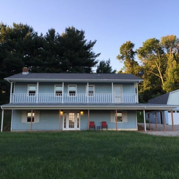 Photo of home for sale at 4690 Westfall Road, Lancaster OH