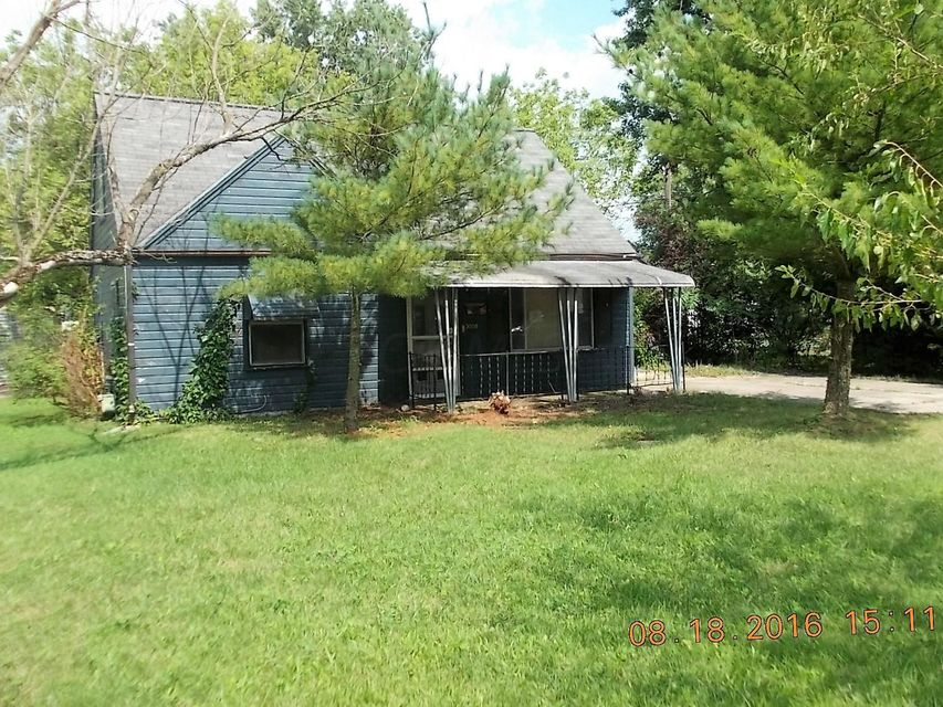 Photo of home for sale at 3008 Woodland Avenue, Columbus OH
