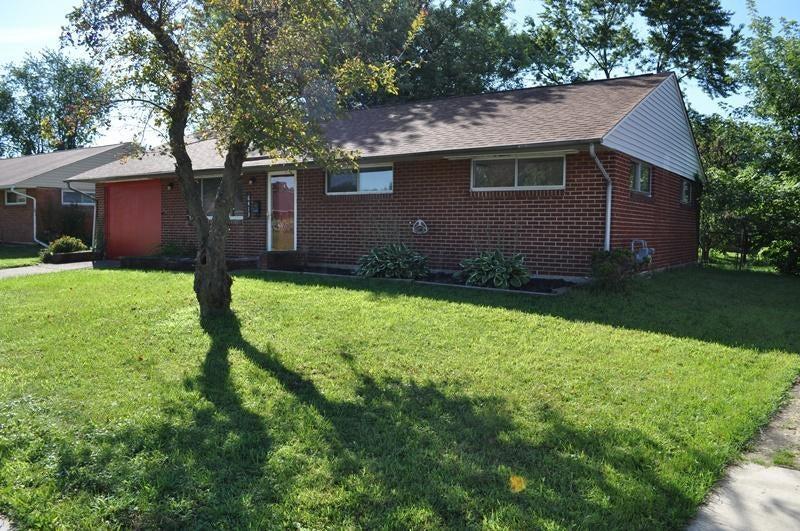 Photo of home for sale at 6413 Slack Road, Reynoldsburg OH