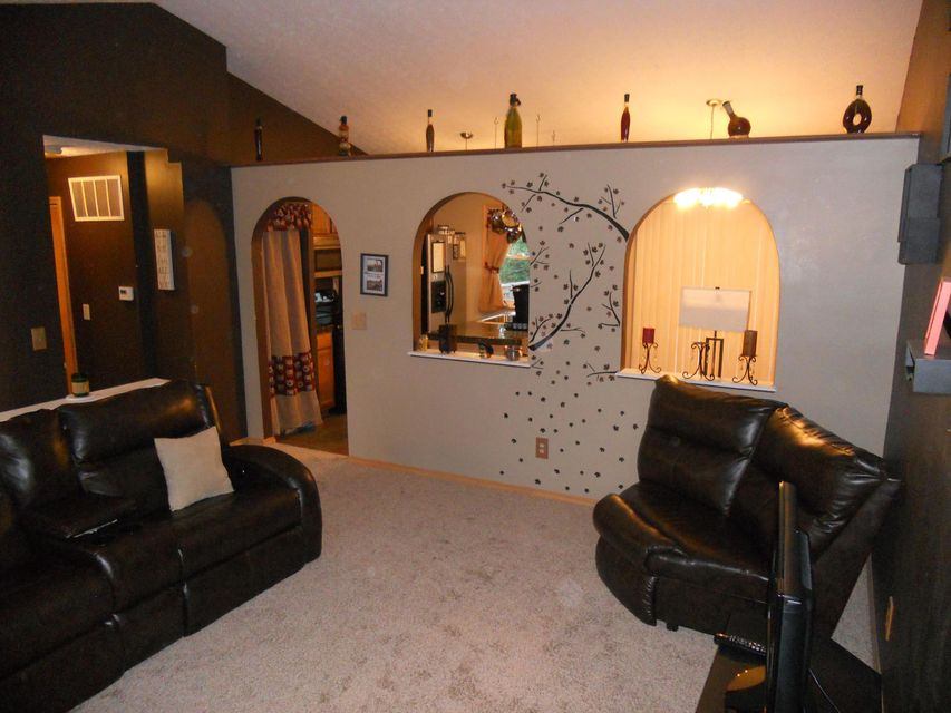 Photo of home for sale at 2222 Golden Leaf Lane, Columbus OH