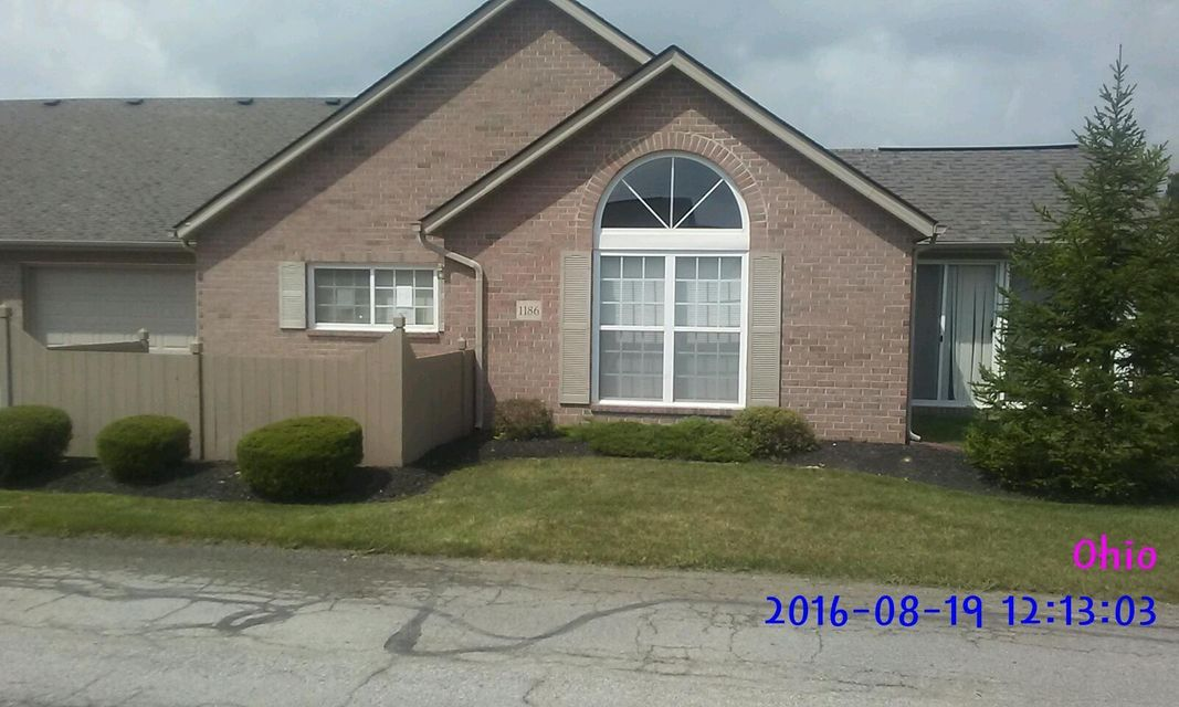 Photo of home for sale at 1186 SANDERLING Drive, Reynoldsburg OH