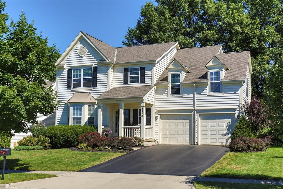 Photo of home for sale at 5970 Tetlin Field Drive, New Albany OH