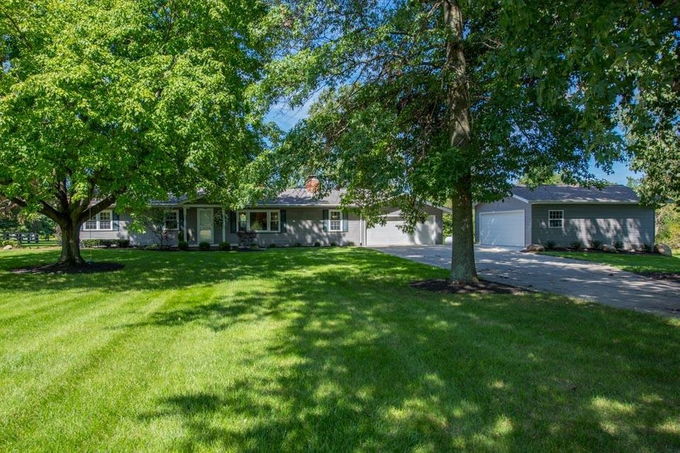 Photo of home for sale at 8340 Steitz Road, Powell OH