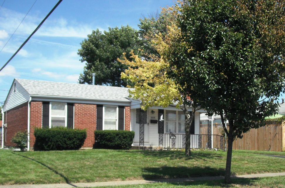 Photo of home for sale at 3876 Lexmont Road S, Columbus OH