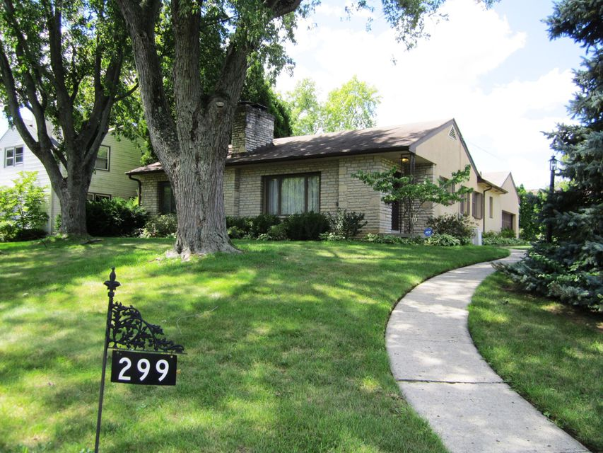 Photo of home for sale at 299 Kellner Road S, Columbus OH