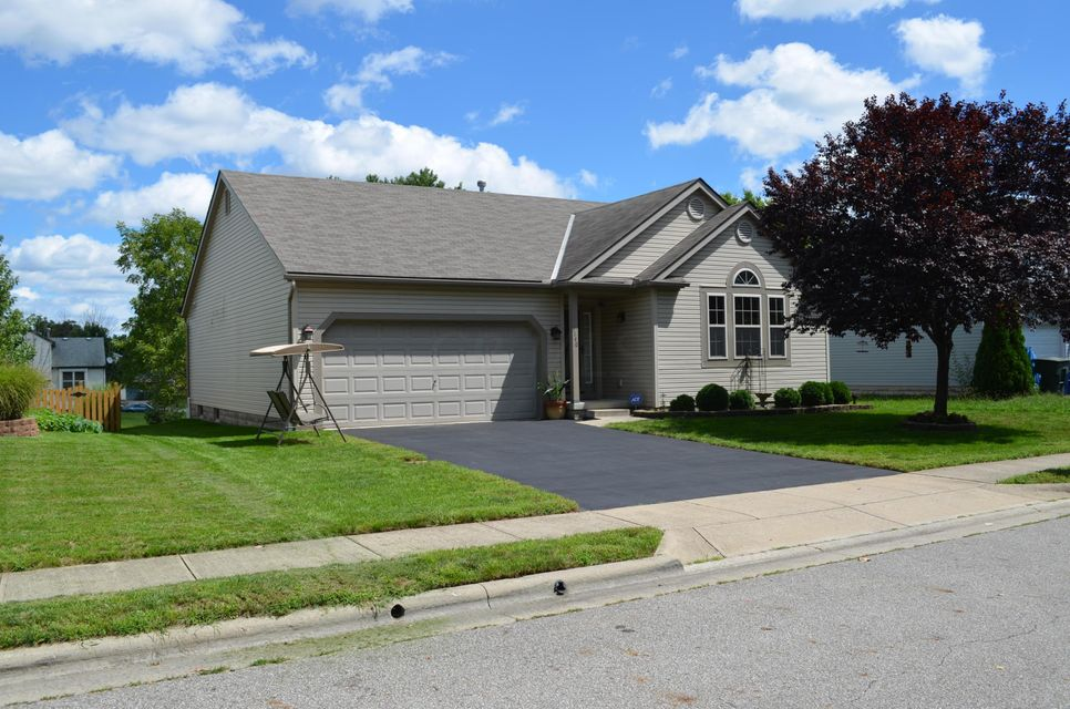 Photo of home for sale at 1140 Nathan Drive, Columbus OH