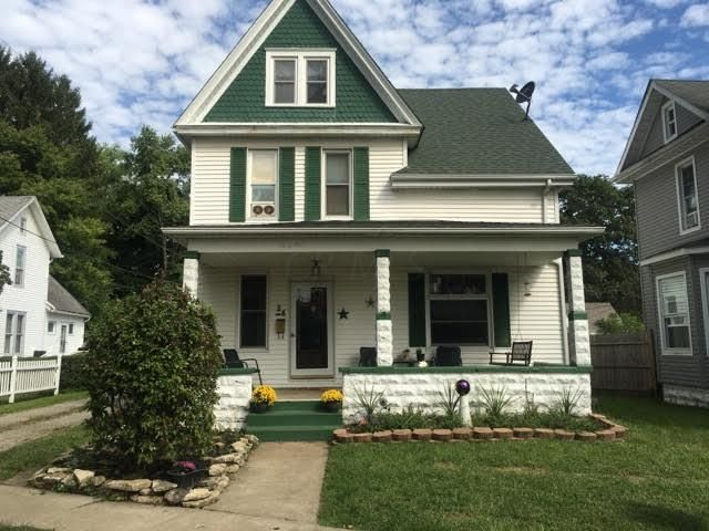 Photo of home for sale at 24 Charles Street, Newark OH