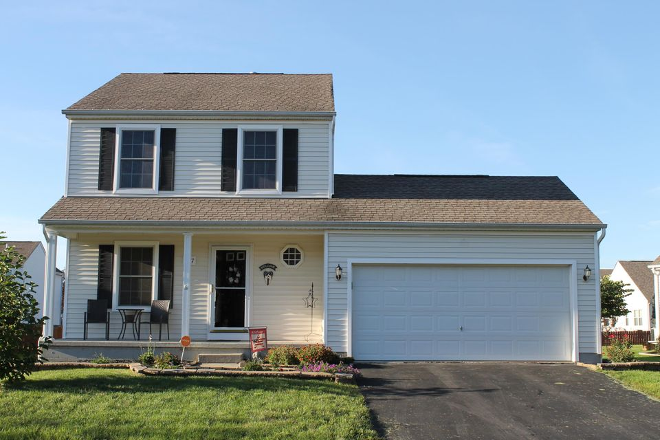 Photo of home for sale at 1477 QUAIL RUN Drive E, Newark OH