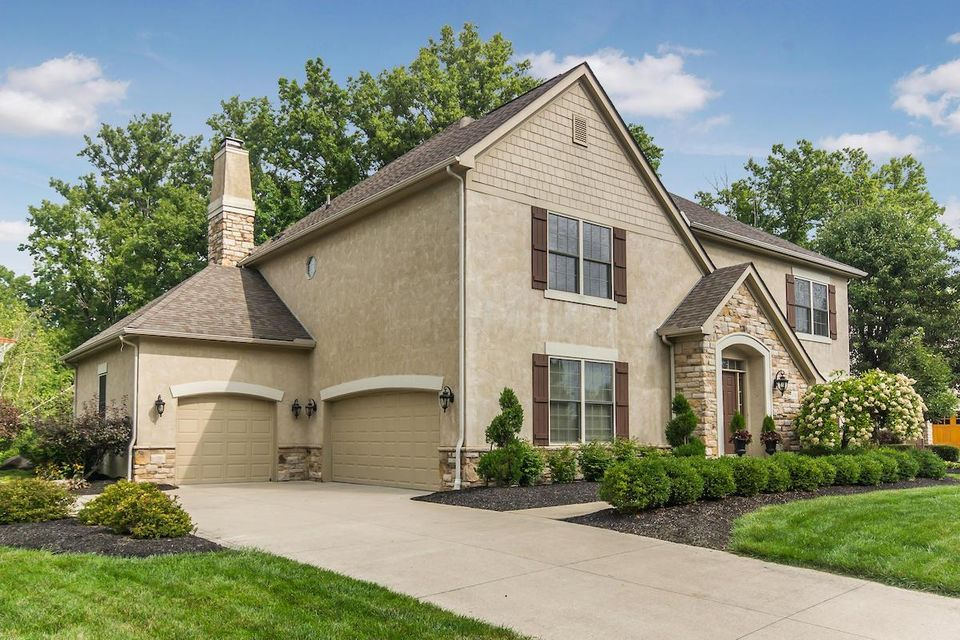Golf village estates homes for sale in powell ohio for Powell house