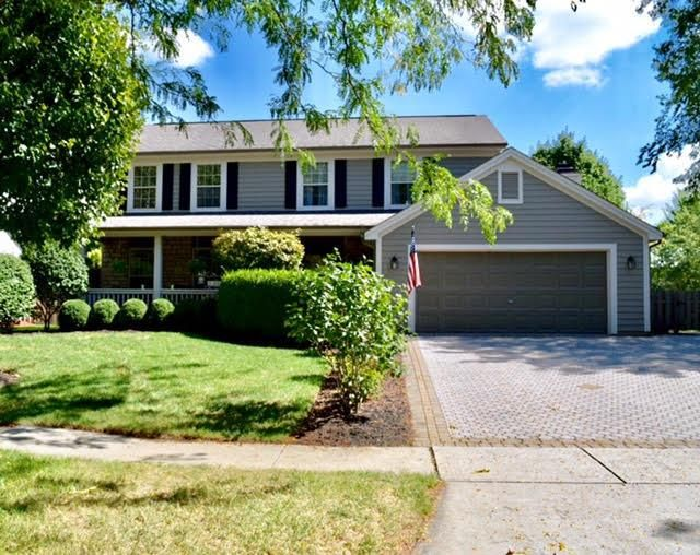 Photo of home for sale at 4508 Clayburn Drive W, Grove City OH