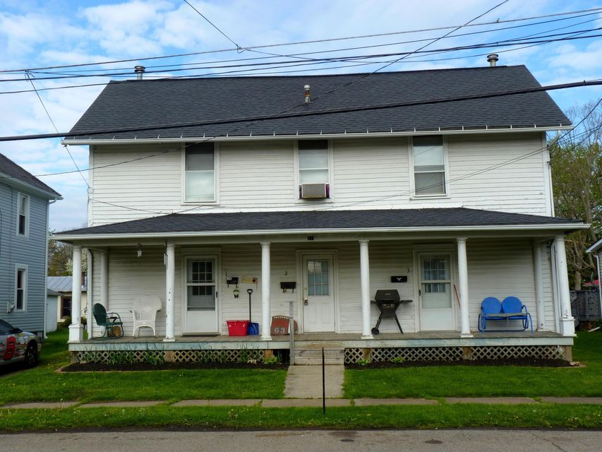Photo of home for sale at 193 Taylor Street, Fredericktown OH