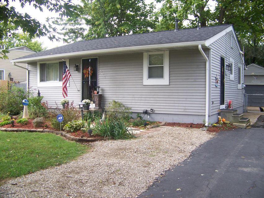 Photo of home for sale at 3135 PARSONS Avenue, Columbus OH