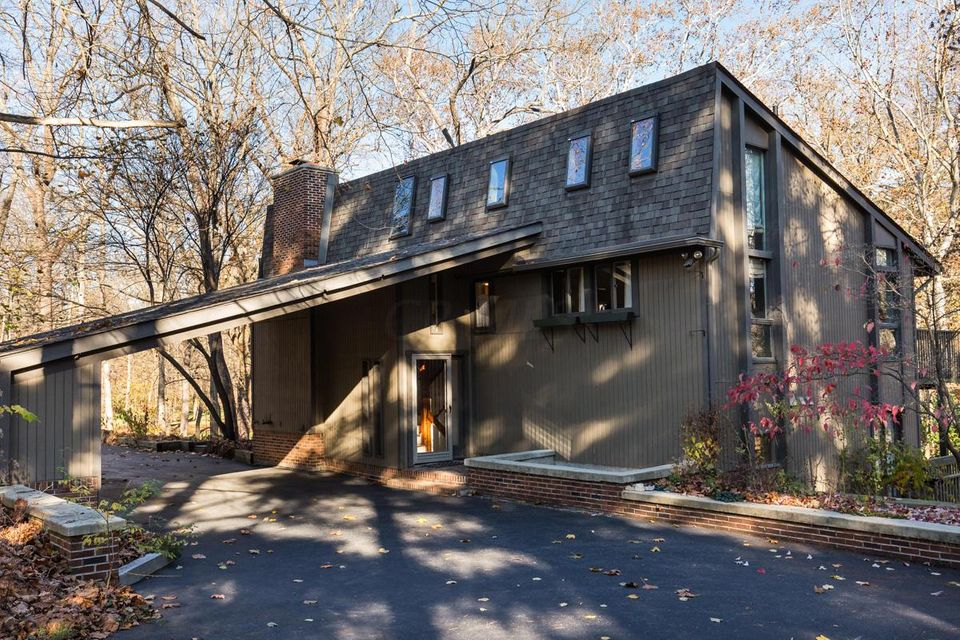 8100 Olentangy River Road, Columbus, OH 43235