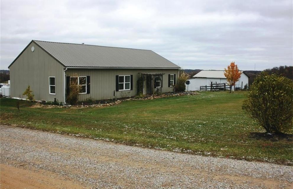 3042 Township Road 124 NE, Somerset, OH 43783