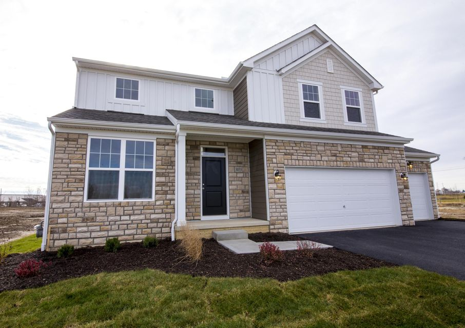 Photo of home for sale at 3055 Pasture Ridge Drive, Powell OH