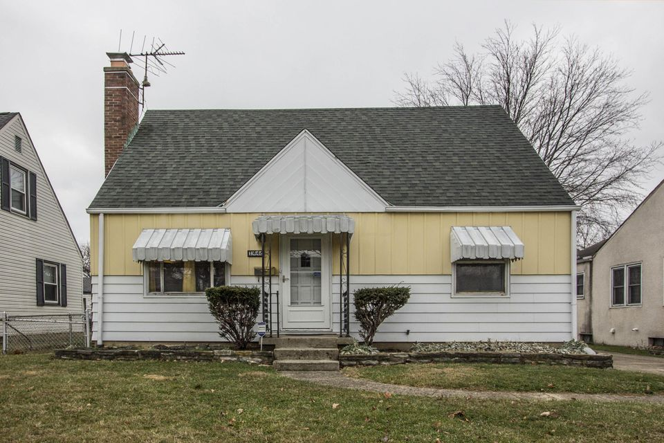 Photo of home for sale at 1446 Miller Avenue, Columbus OH