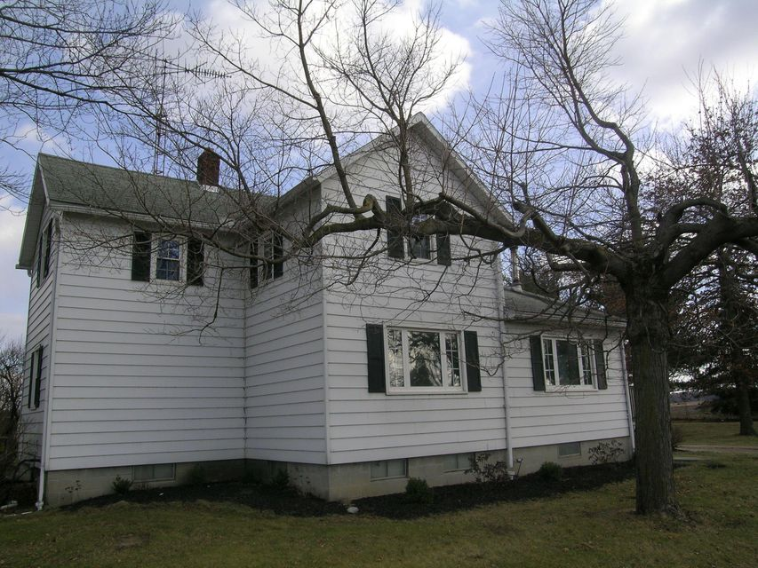 Photo of home for sale at 1610 Columbus Sandusky Road S, Marion OH
