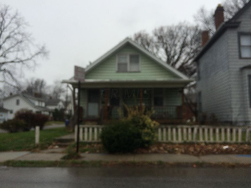 Photo of home for sale at 763 Miller Avenue, Columbus OH