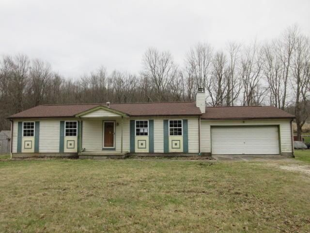 Photo of home for sale at 2733 Hamburg Road SW, Lancaster OH