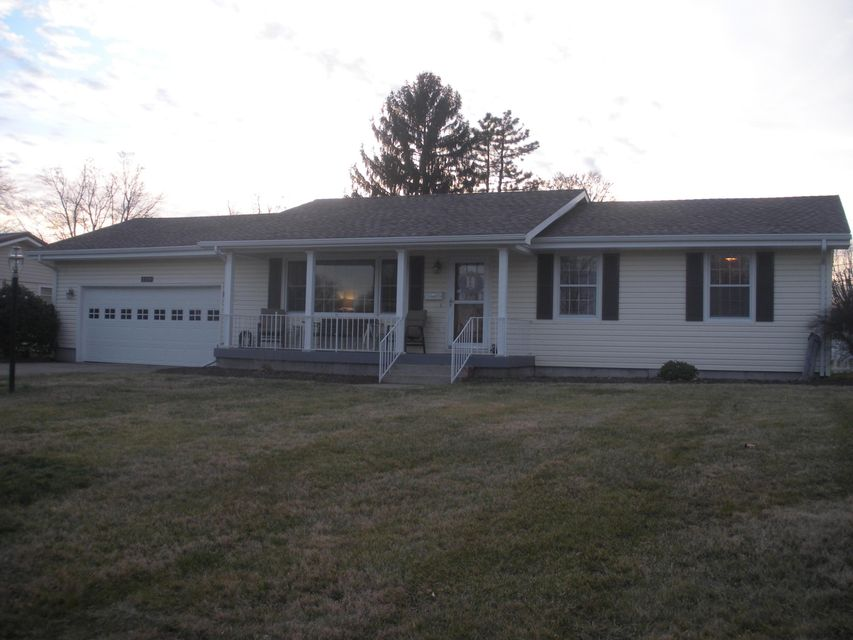 Photo of home for sale at 127 Clearview Road, Washington Court House OH
