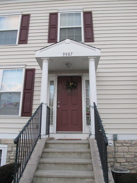 Photo of home for sale at 5987 Silver Charms Way, New Albany OH