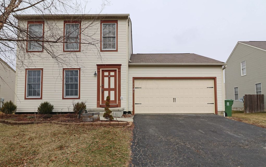 Photo of home for sale at 1142 Tarragon Drive, Marysville OH
