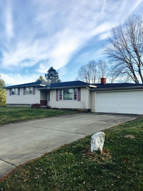 Photo of home for sale at 157 Rosemary Lane SE, Heath OH
