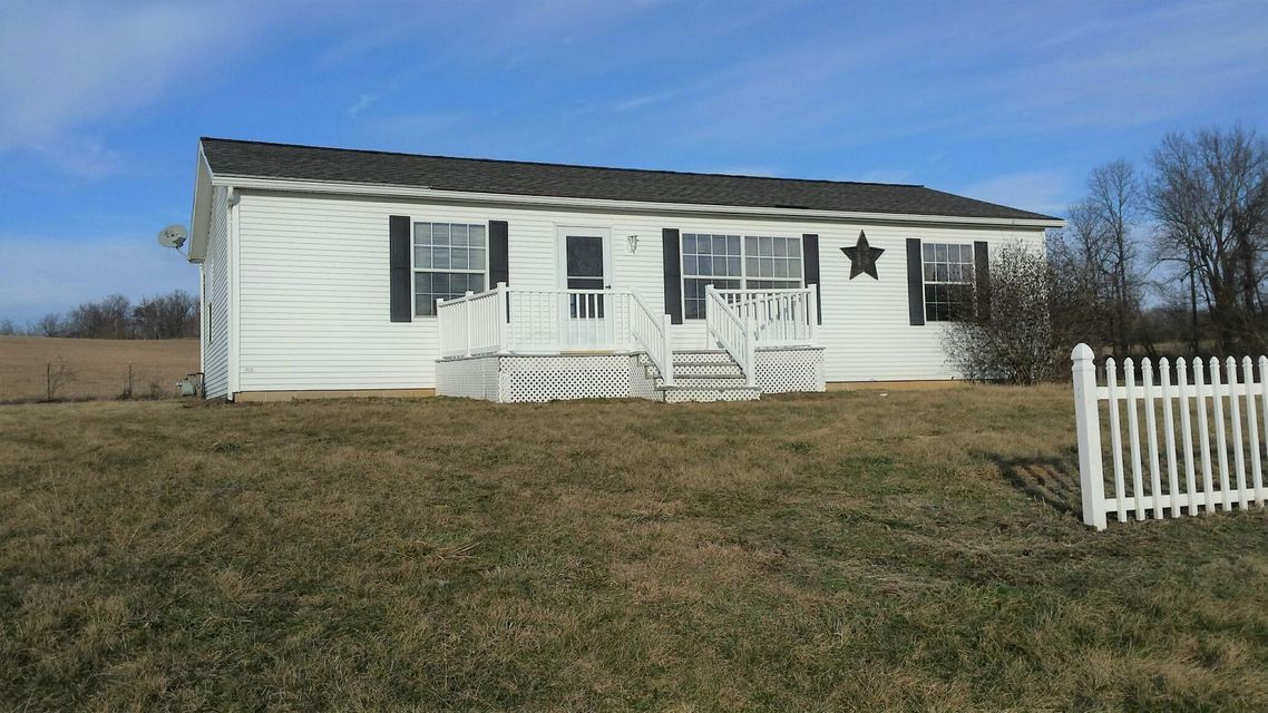 Photo of home for sale at 6076 High Point Rd, Thornville OH
