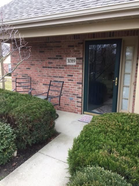 Photo of home for sale at 3089 PINE MANOR Boulevard, Grove City OH