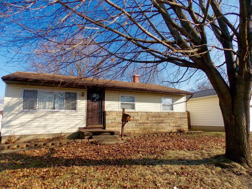 Photo of home for sale at 954 Eureka Avenue S, Columbus OH