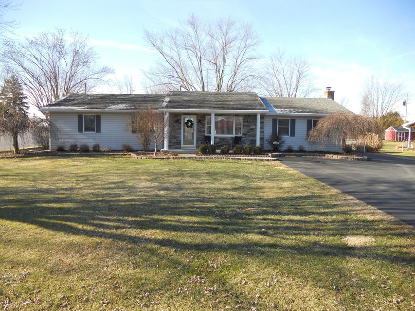 Photo of home for sale at 12499 Park Road, Orient OH
