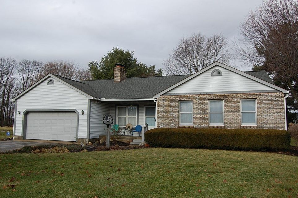 Photo of home for sale at 8628 Frazier Drive, Plain City OH