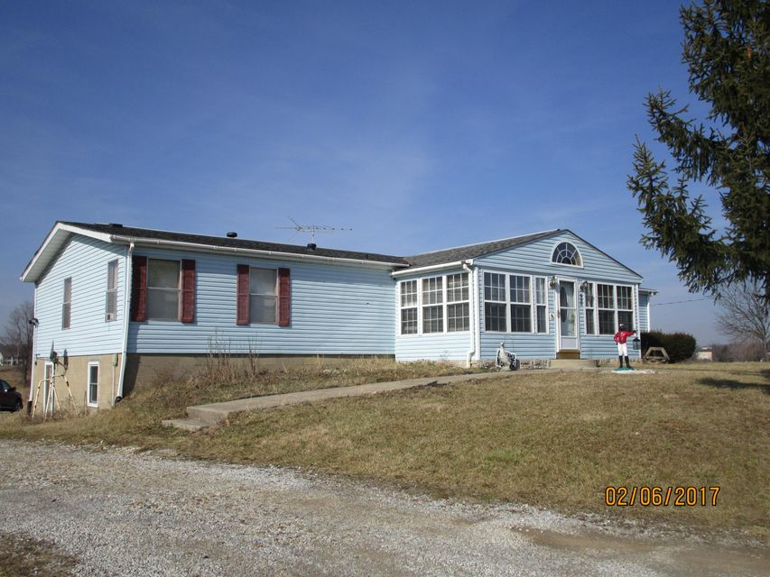 Photo of home for sale at 920 County Road 212, Marengo OH