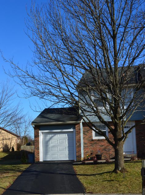Photo of home for sale at 2253 PINION Place, Reynoldsburg OH