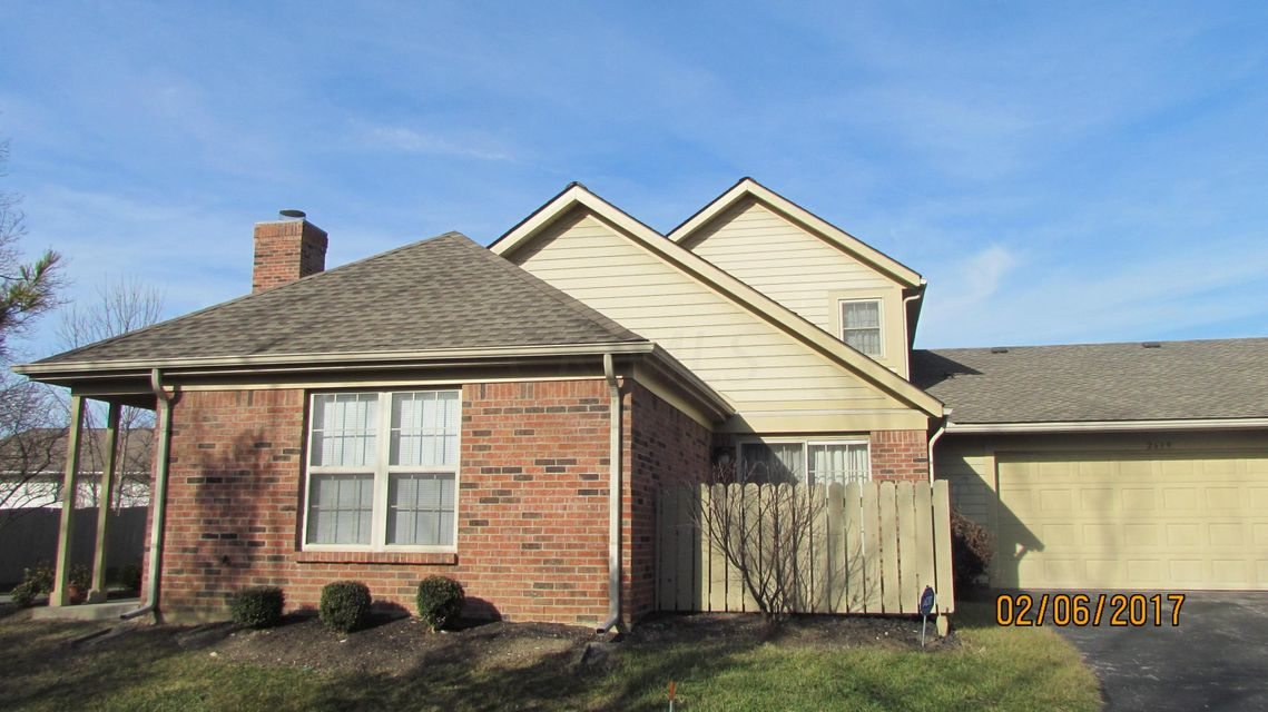 Photo of home for sale at 2639 Pine Marsh Drive, Grove City OH