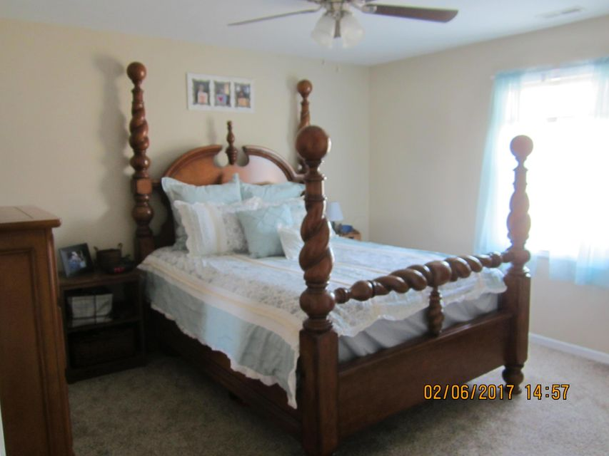 Photo of home for sale at 61 Highmeadow Drive, Mount Vernon OH