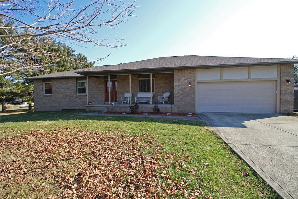 Photo of home for sale at 5690 Amanda Northern Road, Carroll OH