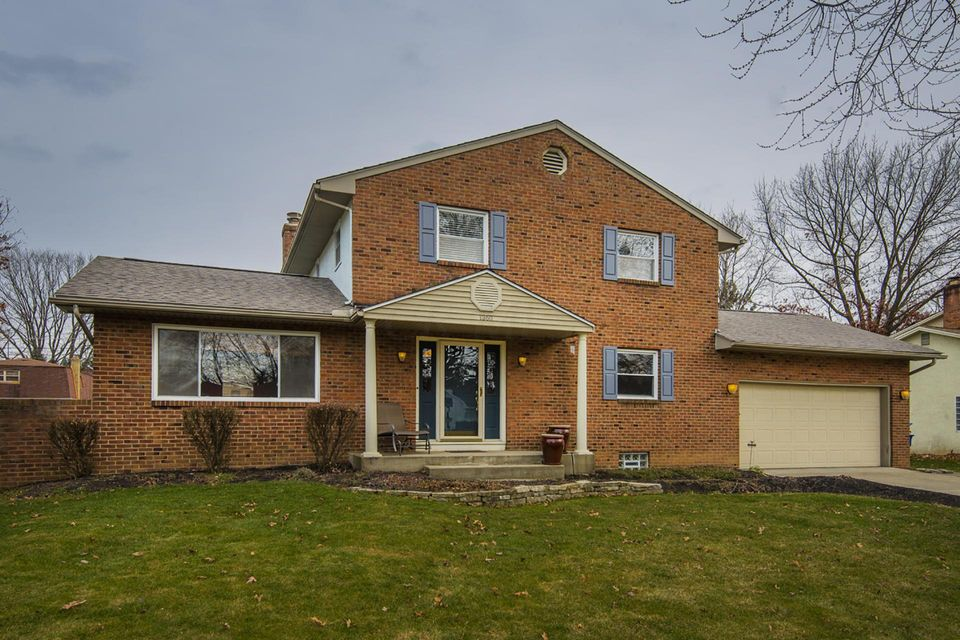 Photo of home for sale at 1360 Walshire Drive N, Columbus OH