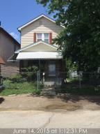 Photo of home for sale at 994 Shoemaker Avenue, Columbus OH