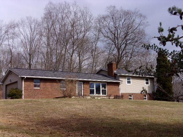 Photo of home for sale at 665 Brown Hollow Road, Chillicothe OH