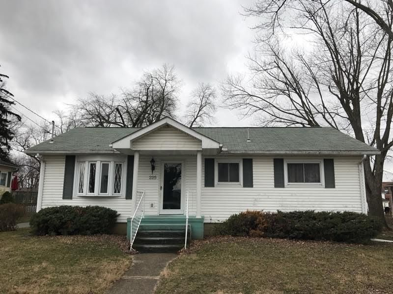 Photo of home for sale at 225 East S, New Holland OH