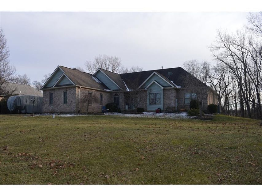 Photo of home for sale at 4187 Tree Line Avenue, Springfield OH