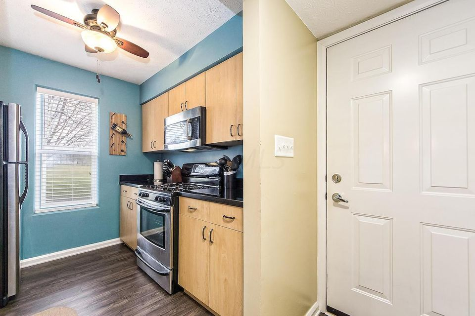 Photo of home for sale at 935 Quay Avenue, Grandview Heights OH