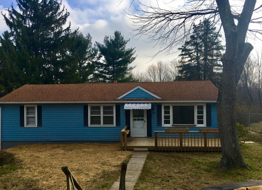 881 Schadel Drive NW, Lancaster, OH 43130