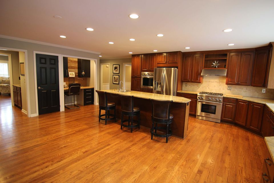 2561 Chartwell Road, Columbus, OH 43220