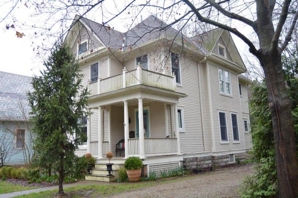 335 E College Street, Granville, OH 43023